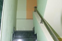14_Gleiche-Treppe_Farbe-als-Eyecather-der-hoch-zieht_nachher