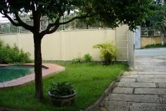 26_Einfahrt_Garten+Pool_vorher