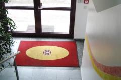 07_Blick -vom-OG-zum_Eingangsbereich-min